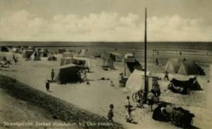 Tenten op het strand bij Huisduinen, 1931 (bron: Dorine van Hoogstraten)