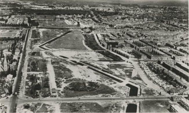 Den Haag 1945: de tankgracht bij de Sportlaan (bron: collectie Marijke Beek)