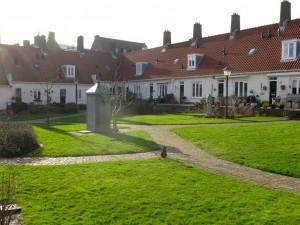 hofje voor lokale ouderen op korte afstand van elkaar in Zandvoort. Bron: DvH