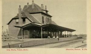 Het oude stationsgebouw van IJmuiden dat in 1995 werd gesloopt. Bron: Mario Lettenmeijer