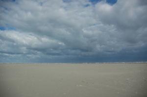 zand en wolken schiermonnikoog