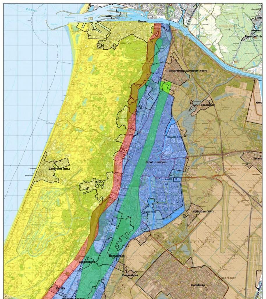Duinen (geel), binnenduinrand (rood). De strandwal (groen) ligt vlakbij, in het boezemgebied (blauw). Bron: Wareco