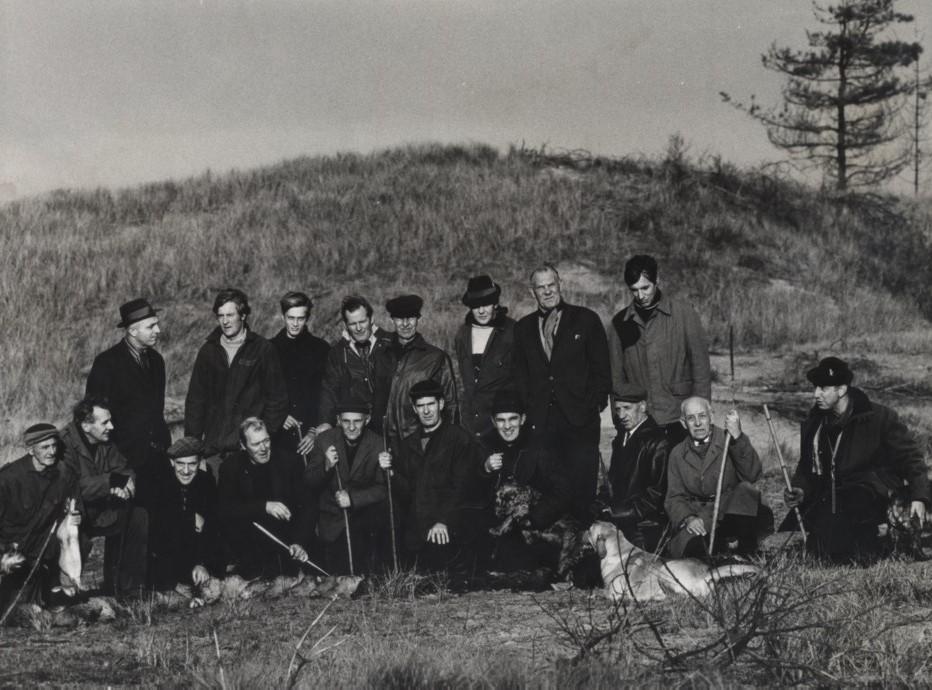 Gezelschap drijvers, rechts Bert Hartoch, 3e van linksachter Tom in den Bosch